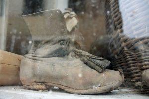 汚れた靴、破れた靴は処分しよう